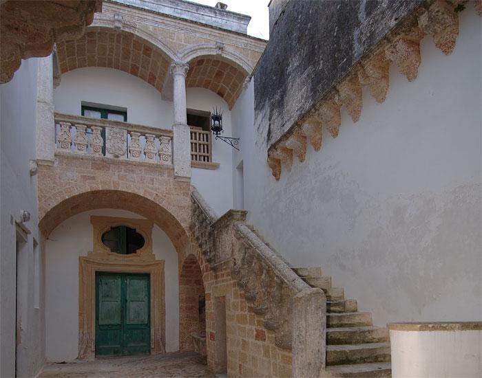 Case a corte nel salento for Case antiche ristrutturate
