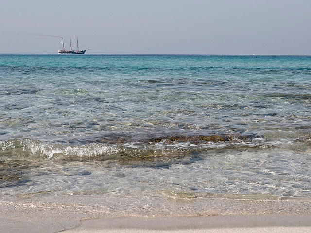 La spiaggia di Lido Pizzo e' collocata nello splendido scenario di Gallipoli. E' certamanete una delle spiagge piu' suggestive di tutto il Salento.