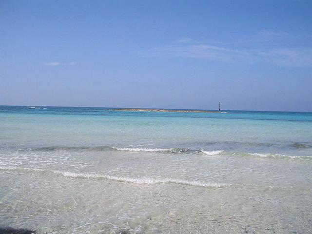 Lido San Giovanni e' una zona di Gallipoli attraversata dal Lungomare Galileo Galilei e caratterizzato da un mare cristallino, pulito e trasparente.
