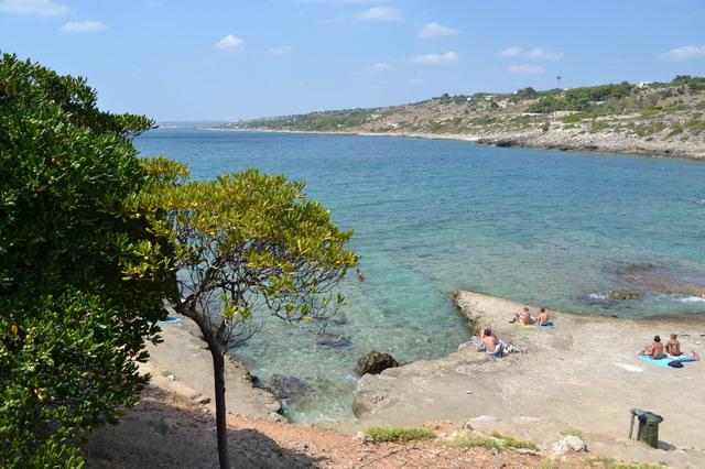 Nell'estremo lembo del Salento sul mar Ionio a circa 5 km da Santa Maria di Leuca troviamo la Marina di San Gregorio, frazione di Patu'.