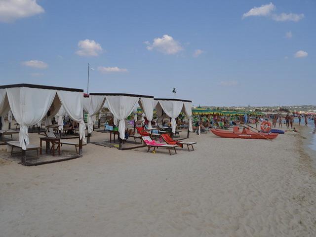 Marina di Pescoluse e' una delle localita' balneari piu' belle, ricercate ed incontaminate del Salento grazie alla sua spiaggia di sabbia finissima, alle acque cristalline del suo mare, alle dune di sabbia a ridosso della spiaggia.