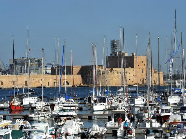 Vista di Brindisi, famosa per il suo porto che e' al centro dei traffici commerciali con la Grecia e l'Oriente e che ha da sempre rappresentato la fortuna della citta'.
