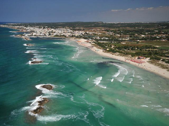 Localita' salentina bagnata dal Mar Ionio Torre San Giovanni e' frazione del comune di Ugento, da cui dista pochi chilometri, si estende dalla contrada Mare Verde a nord, fino alla contrada le Fontanelle a sud.