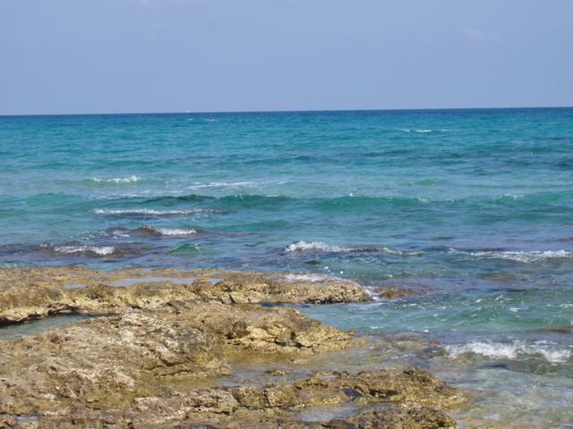 Frassanito e' essenzialmente una zona balnearee facente parte del comune di Otranto.