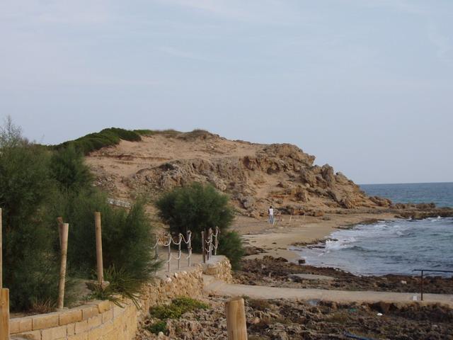 La piccola localita' di Mare Verde, sulla costa di Ugento, presenta un tratto di costa lungo circa 2 km.