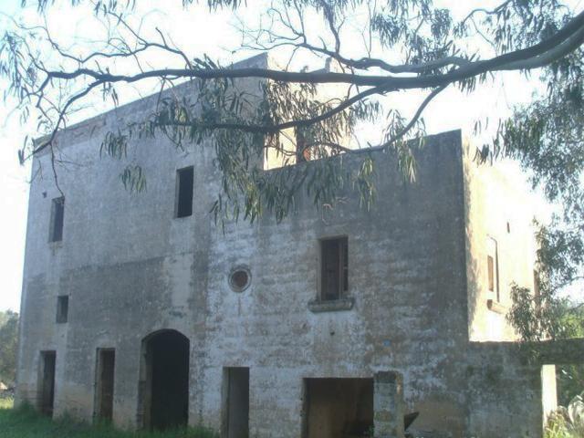 Vista di una delle masserie presenti sul territorio di Casalabate, in Puglia, nel Salento.