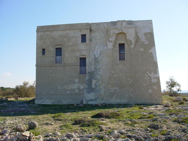Tra il Parco Naturale di Porto Selvaggio e il Parco Marino di Porto Cesareo si trova Torre Inserraglio, marina di Nardo' bagnata dal Mar Ionio.