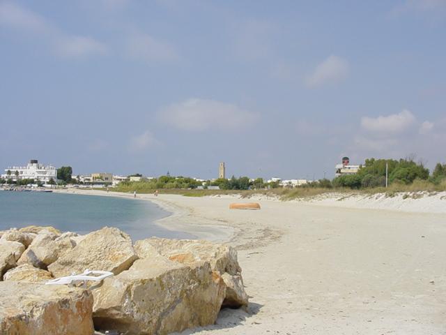 Torre San Giovanni, Marina di Ugento, conosciuta e apprezzata per il mare turchese e le incantevoli spiagge.