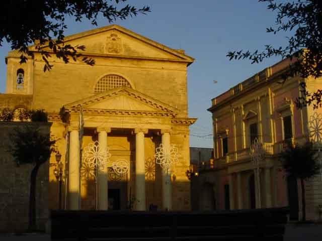 Cattedrale di Santa Maria Assunta a Ugento costruita nel XVIII secolo sui resti di una chiesa gotica distrutta dall'incursione saracena del 1537, oggi sede della diocesi di Ugento - Santa Maria di Leuca.