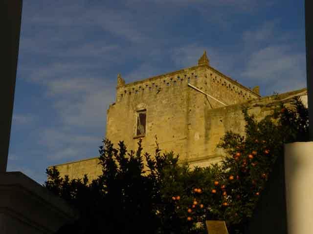 Il territorio del comune di Ugento comprende un tratto di costa bagnato dal Mar Ionio. Il centro abitato sorge in parte sul sito dell'antica Ozan, in latino Uxentum, importante citta' Messapica.