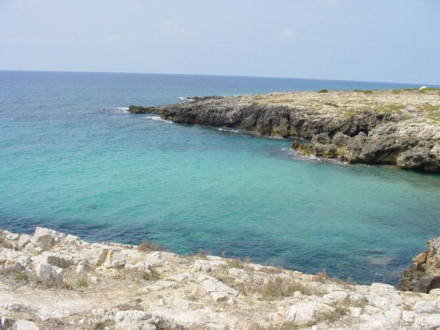 Marina di Alliste, sulla costa ionica del Salento, e' una localita' balneare abbastanza tranquilla e rilassante, ideale proprio per chi cerca una vacanza di solo mare e relax.
