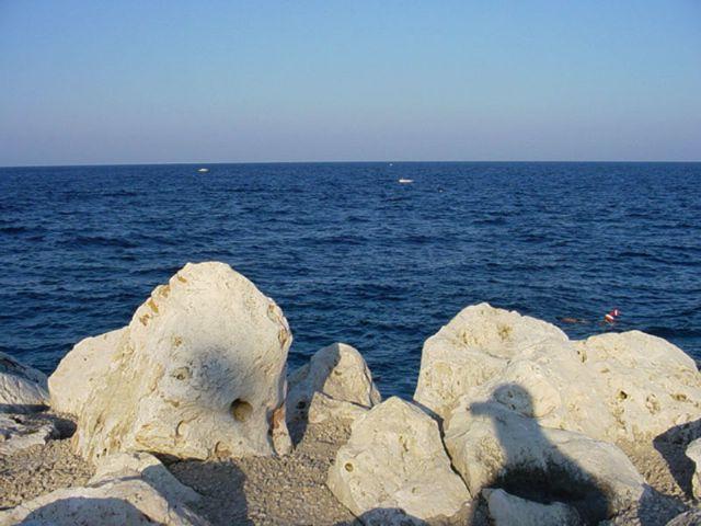 Marina di Andrano (detta anche Feronzo) e' una localita' balneare della provincia di Lecce e frazione del comune di Andrano.