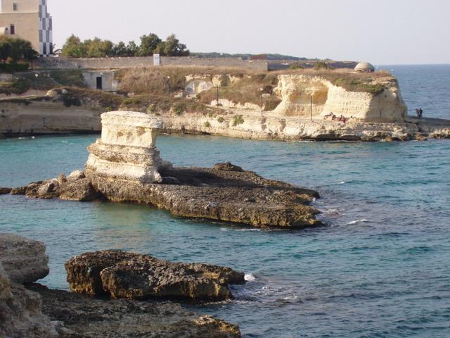 Torre Sant'Andrea si presenta con un tratto di costa frastagliato, rimasto quasi incontaminato, ricco di grotte e faraglioni, scogli a picco che emergono dall'acqua nei pressi della costa, tipici delle coste rocciose del Mediterraneo.