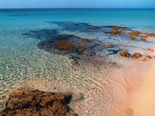 Marina di Pescoluse puo' godere di un'acqua limpida e cristallina durante tutte le stagioni dell'anno. Questo posto meraviglioso non a caso viene soprannominato MALDIVE DEL SALENTO.