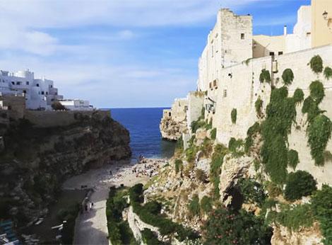 Foto e immagini costa adriatica della puglia - Specchia polignano a mare ...