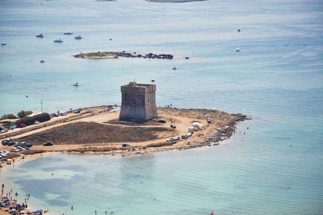 La Torre di San Tommaso, oggi Torre Lapillo, imponente e stupenda