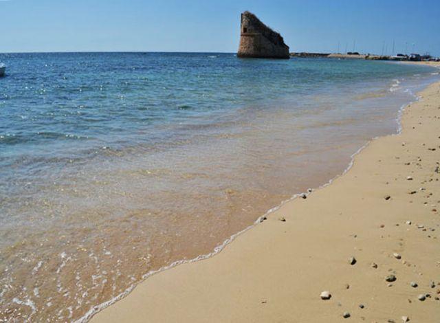 Torre Pali: antico borgo di pescatori, caratterizzata da spiagge bianche intervallate da scogliere basse facilmente accessibili, bagnata dallo splendido Mar Ionio