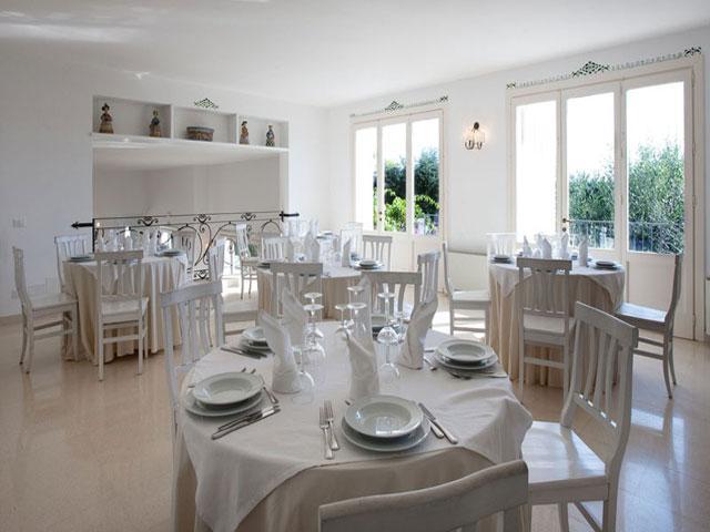 Ristorante all'interno del Resort Hotel Tenuta Centoporte ubicato tra Otranto e Giurdignano