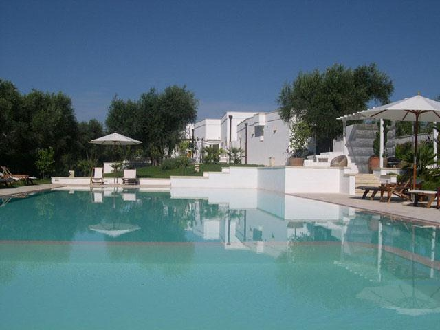 Piscina del Resort Hotel Tenuta Centoporte