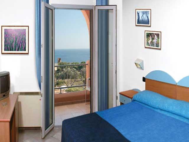 Le camere sono suddivise in tre  differenti tipologie: Standard, Superior e Deluxe