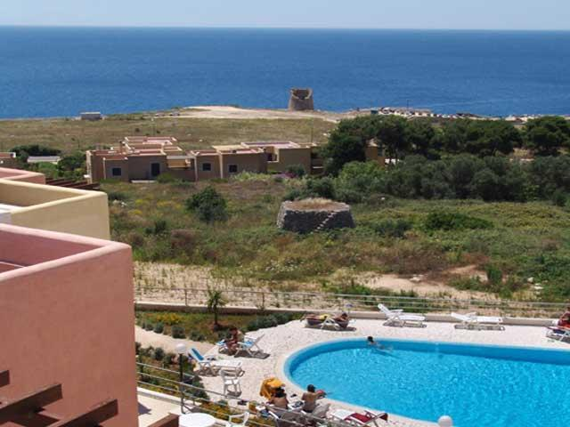 Bellissima piscina dell'Hotel Aliz? categoria 4 stelle