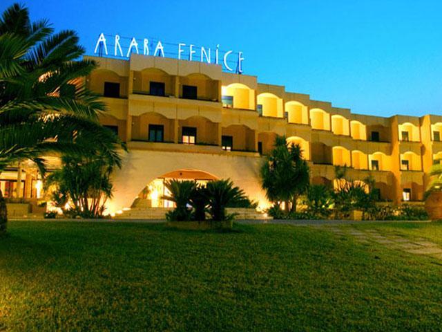 Hotel Villaggio Araba Fenice ubicato a Torre dell'Orso nel Salento