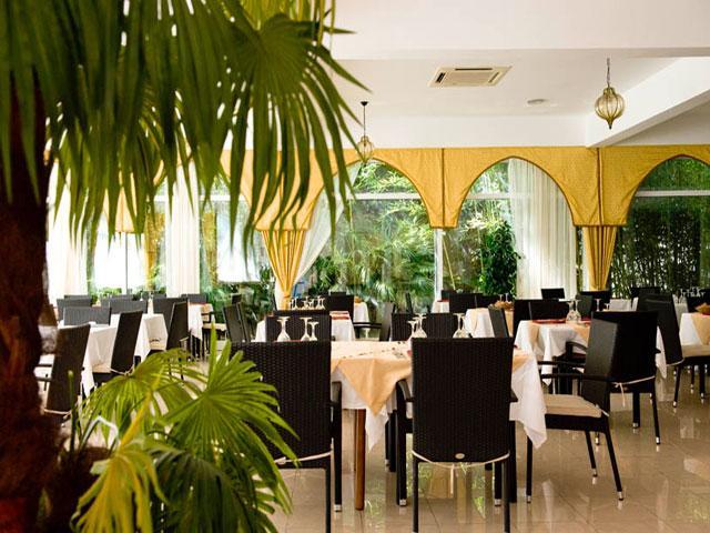 Ristorante presente all'interno del Villaggio Hotel Araba Fenice
