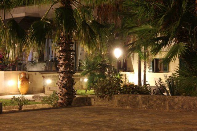 Masseria dei Monaci illuminata