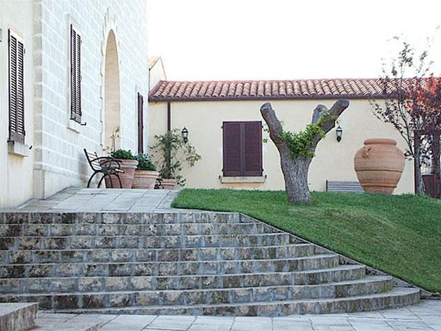 Masseria Santicuti ubicata a San Cataldo