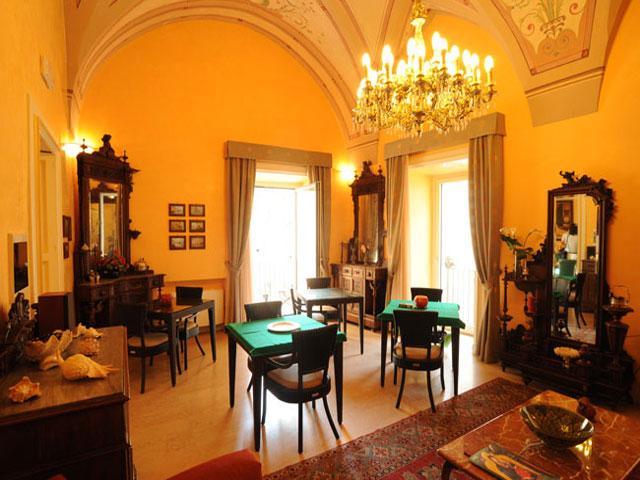 Elegante reception di Palazzo Papaleo a Otranto