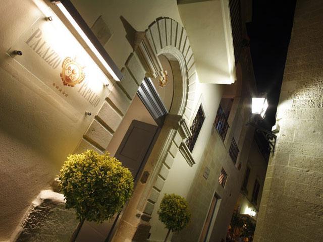 Palazzo Papaleo, categoria 5 stelle, Otranto