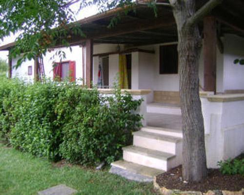 Esterni delle case vacanza a Frassanito