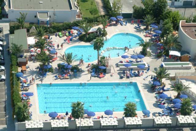 Vista dall'alto delle piscine