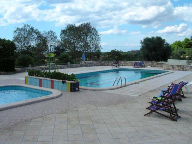 Li Tumi: piccolo residence con due piscine