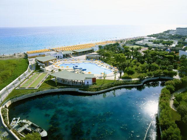 Vista panoramica del Grand Hotel Serena