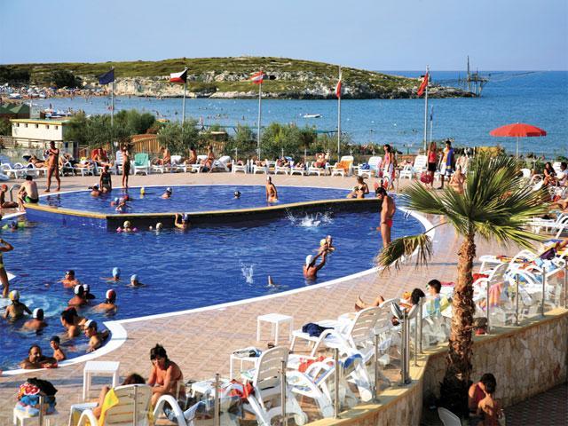 Villaggio la Giara provvisto di piscina