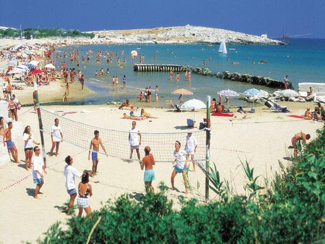 Spiaggia a pochi passi dal villaggio