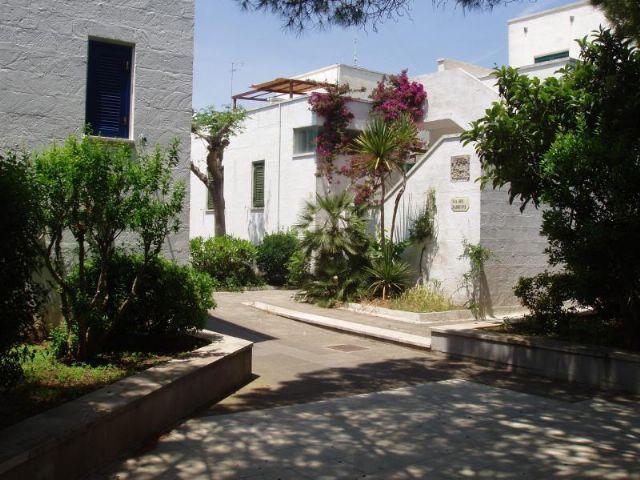 Vista degli appartamenti del Villaggio turistico Conca Specchiulla