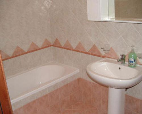Bagno con vasca doccia