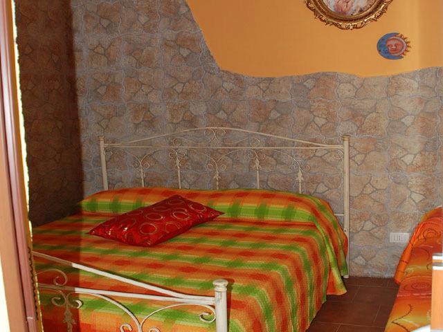 Camera da letto matrimoniale del terzo trilocale