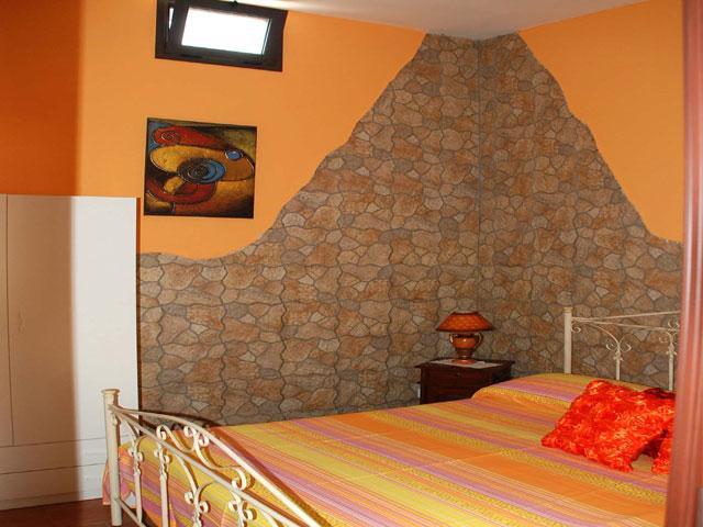 Camera da letto matrimoniale del quarto trilocale
