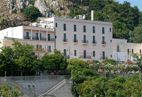 Grand hotel mediterraneo 4 stelle santa cesarea terme - Bagno marino archi santa cesarea ...