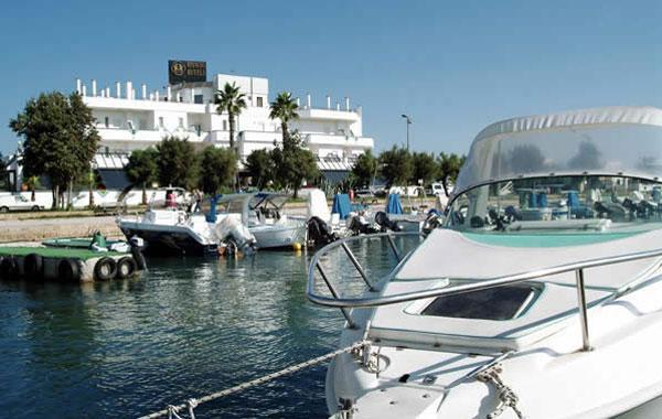 Hotel Hyencos in posizione fronte mare