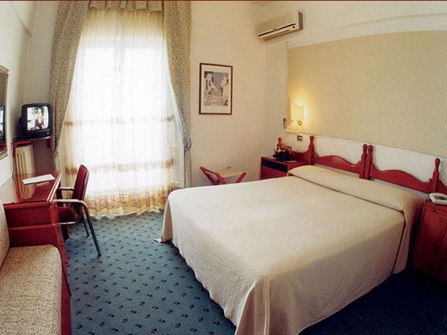 L'Hotel dispone di 63 camere e 2 suite