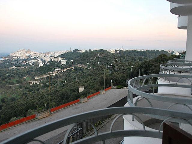 Camere dell'hotel provviste di balcone