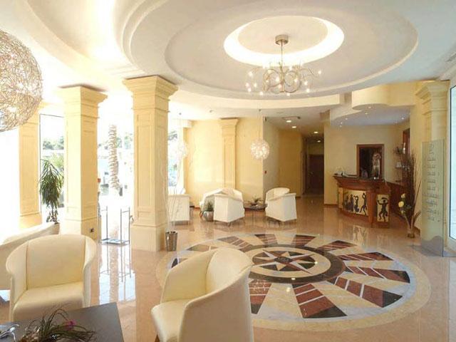 Lussuosi interni dell'Hotel Victoria Palace