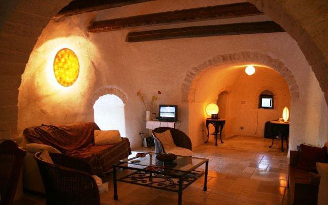 Interni di uno dei trulli in affitto ad Alberobello