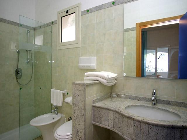 Bagno dotato di box doccia