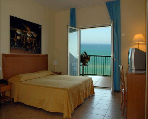 Camere dotate di balconcini con bellissima vista mare