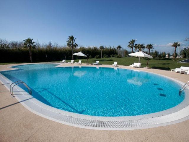 Piscina - Arthotel & Park Lecce